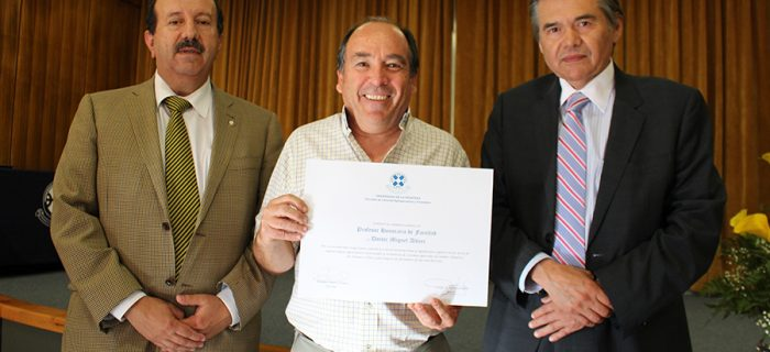 Professor Miguel Altieri recieved an award from Chile!